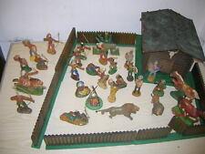 Alte Trapper Hütte mit Cowboys & Indianer Figuren - DDR ca. 50er/60er Jahre