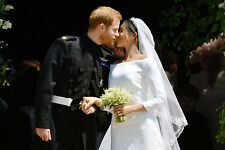 "PRINCE HARRY AND MEGHAN MARKLE WEDDING KISS PIC FRIDGE MAGNET 5"" X 3.5"""