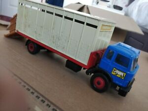 BRITAINS FARM CATTLE TRUCK 1/32 as found plus a spare chassis, etc