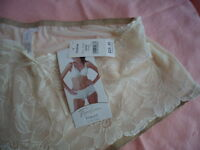 BRAND NEW FAYREFORM PANTIES KNICKERS SIZE LARGE CARAMEL BEIGE CREAM WITH LACE