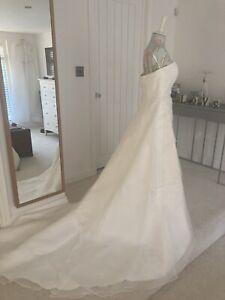 Ivory Strapless A-line Wedding Dress Size 10
