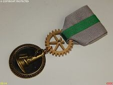 Lo Steampunk SPILLA DISTINTIVO Medaglia Spilla Drape Harry Potter Serpeverde Cappello Parlante guidata