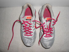 Youth girls Nike Reax tennis shoes running sneakers sz 5Y White/Gray/Pink