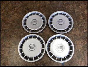 "Volvo 15"" Hubcaps 240/740/940 OEM mint 3540176"