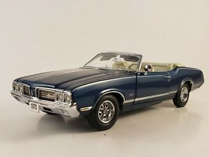 "Danbury Mint 1970 Oldsmobile Cutlass Convertible  ""Twilight Blue Metallic""  LE"