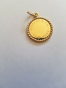 TIFFANY&Co 18K GOLD CHARM -AUTHENTIC