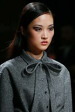 NWT ROCHAS FALL 15 RUNWAY HOUNDSTOOTH PLAID PUSSY BOW CHECK DECORATIVE COLLAR 40