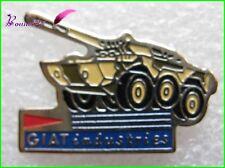 Pin's Pins badge GIAT INDUSTRIES Char Tank Jaune Kaki #1929
