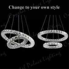Plafonniers et lustres suspensions en cristal pour le salon