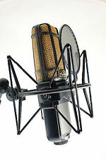 Superlux R102 Mk2 Ribbon Microphone Shock Mount Pop Filter XLR Lead
