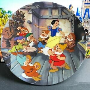 Walt Disney THE DANCE OF SNOW WHITE AND THE SEVEN DWARFS Knowles China