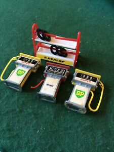 4 x Hobby's Garage Forecourt Items. 3 Petrol Pumps, Tyre Rack 1/43 Gauge