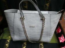 Borse e borsette da donna grigi GUESS con cerniera