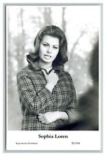 Sophia Loren (C) Swiftsure Postcard year 2000 modern print 20/104 glamour photo