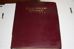 RAILROAD MODEL CRAFT MAGAZINE FULL YEAR 1971 IN BINDER,MOST ISSUES IN GOOD SHAPE