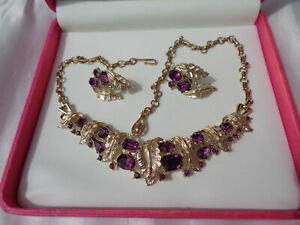 B'FUL VTG 1950'S CORO AMETHYST GLASS & LEAF PANEL NECKLACE & MATCHING EARRINGS