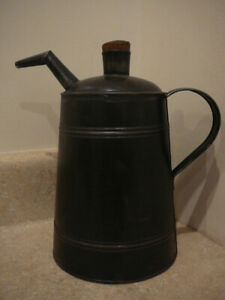 ANTIQUE PRIMITIVE EARLY TIN KEROSENE OIL CAN PITCHER TO REFILL HOUSEHOLD LAMPS