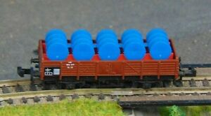 DB low sided wagon with barrel load    by MINITRIX   N Gauge   (8)