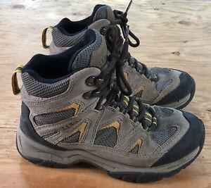 LL Bean Women's Hiking Brown Suede Trail Boots Shoes Size 6 Medium Dri-Lex