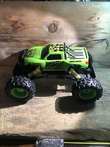 Rock Crawler R/C Truck Off Road Vehicle 27 MHz by Maisto Tech