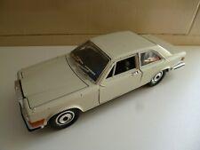 Rolls Royce Camargue - White - Bburago - 1/22 - Italy