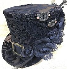 SDL Brown Lace & Keyholes Top Hat With Victorian Design Background In Size  58cm