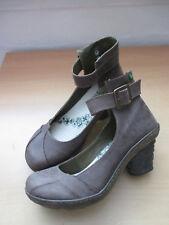 Neuwertige El Naturalista Damen Schuhe Pumps 39 braun/17