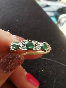 9ct Gold Emerald and diamond ring Size T 1/2