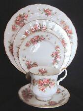 Paragon Elizabeth Rose Bone China 5 Piece Place Setting - England - Vintage