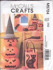McCalls Sewing Pattern 5724 Halloween Pumpkin Bat Cat Ornament Bag Craft