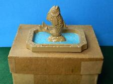 VINTAGE LEAD BARRETT & SONS BOXED ORNAMENTAL GARDEN POND WITH FISH FOUNTAIN