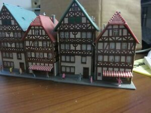 z scale buildings Kibri 4 town shops 2 buildings duplicated with figures