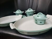 Old Dutch Oven Iron Set of 4 Mini Serving Casserole Pots and 2 dishes