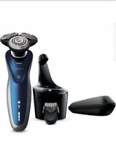 Philips Norelco Electric Shaver 8900 SmartClean Wet & Dry Edition with new head