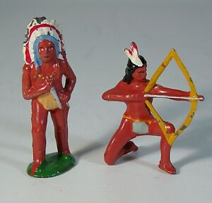 LOT OF 2 BARCLAY 1930s NATIVE AMERICAN INDIAN FIGURES LEAD TOY SOLDIER 710 & 755