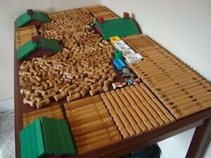 Lincoln Logs HUGE Lot 430 Pieces Roofs People Windows TONS of Different Pieces