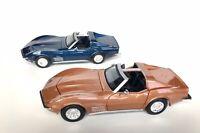 Lot of 2 Maisto 1970 Chevrolet Corvette Stingray 1:24 Scale Diecast Model Cars
