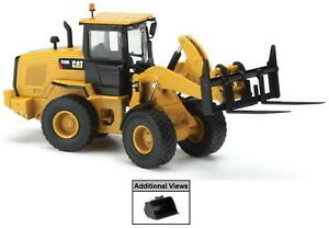 Norscot 1:50 Scale Caterpillar 930K Wheel Loader with tools 55266 Diecast