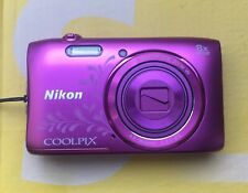 Nikon COOLPIX S3600 20,1 MP Digitalkamera + 16GB + Etui - Pink Lineart