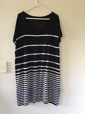 Maggie T 100% Viscose sleeveless tunic top size 1size 16-18 black and white stri