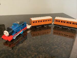 THOMAS FRIENDS TRACKMASTER MOTORIZED TOMY 2005 REAL STEAM THOMAS ANNIE CLARABEL