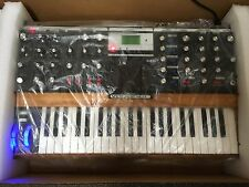 Moog Minimoog Voyager PERFORMER EDITION Analog Synth V3,Blue Pitch/Mod //ARMENS