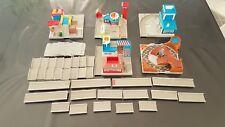 Micro Machines City Scenes : nombreux éléments, routes, raccordements...