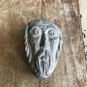 ancienne sculpture N72 visage en pierre signé