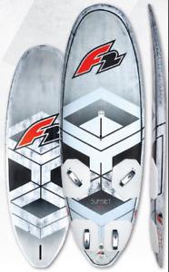 F2 Sunset 135 Freerace Windsurfboard mit Foilbox Modell 2021