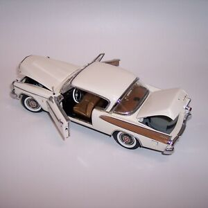 DANBURY MINT 1/24 1957 STUDEBAKER GOLDEN HAWK WHITE 50th ANNIVERSARY EDITION