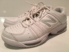 New Balance Women's Athletic Tennis Shoes Size 7 B