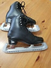Riedell 255 Motion Size 4W Boys Figure Skates with Mk Professional Blades 9.5�