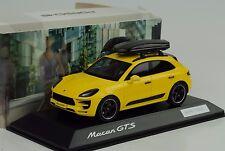 2015 Porsche Macan GTS gelb + Dachbox Tequipment 1:43 Spark WAX Dealer