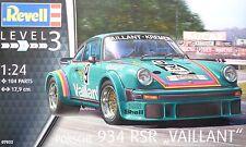Revell 07032 Porsche 934 RSR Vaillant , Bausatz, 1:24, Neu